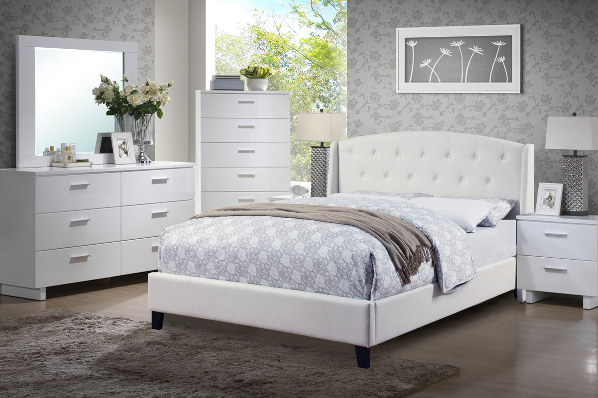 4 pcs bedroom set white bonded leather 9296px casye
